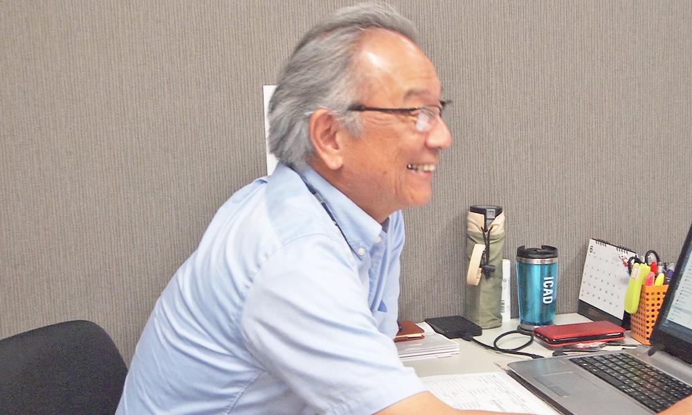 山崎事業本部長